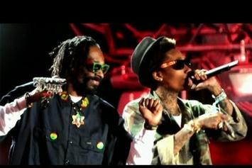 "Wiz Khalifa ""Talks Weed & Snoop Dogg On CNN"" Video"