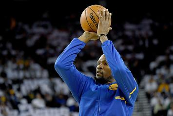 Kevin Durant Gets Up Jumpers While Reciting Quotes From His Haters