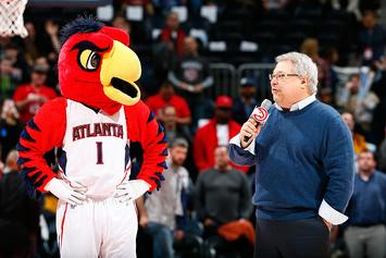 "Hawks CEO To Pay For Wedding Of Couple That Met At ""Swipe Right Night"""