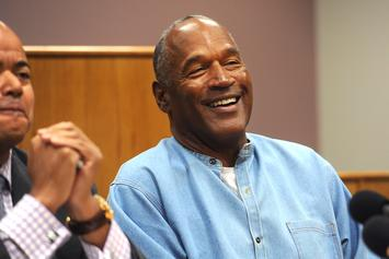 O.J. Simpson Reportedly Signs Memorabilia In Secret Autograph Session