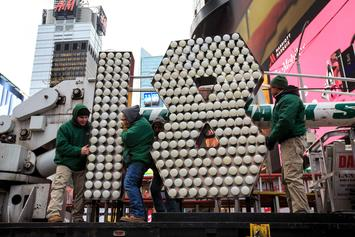 Time Square New Year's Eve Countdown Going Ahead As Planned Despite Weather