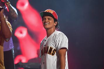"""Bruno Mars Earned A Whopping $200 Million For His """"24K Magic"""" Tour"""