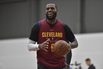 LeBron Annoys NYC Subway Rider While Taking Train With Cavs Teammates