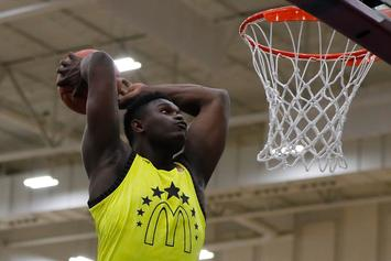 Duke's Zion Williamson Shows Off Insane Hops With Foul Line Dunk