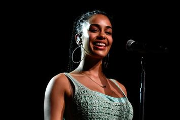 "Jorja Smith Gracefully Covers Kendrick Lamar & SZA's ""All The Stars"""
