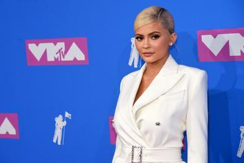 Kylie Jenner Says She Always Gets An Extra Hotel Room Just For Her Clothes & Makeup