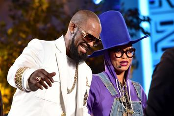 "Erykah Badu ""Booed"" For Defending R. Kelly During Chicago Concert"