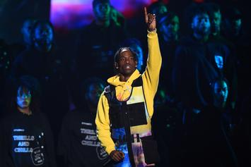 """Travis Scott Brings Drake, Quavo & Offset Out At L.A. """"Astroworld"""" Show"""