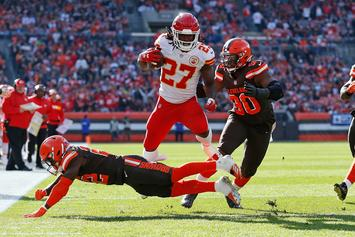 Kareem Hunt Makes The Browns Real Contenders According To David Njoku