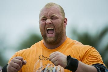 "Game Of Thrones ""The Mountain"" Actor Deadlifts 1,042 Pounds"