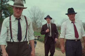 """Netflix's """"The Highwaymen"""" Tells True Story Of Detectives Who Nabbed Bonnie & Clyde"""