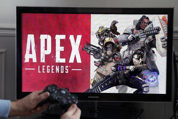 """""""Apex Legends"""" Is Quickly Overtaking """"Fortnite"""" As The Next Big Hype"""