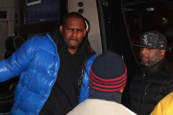 Female R. Kelly Fans Are Reportedly Trying To Pay His Bond