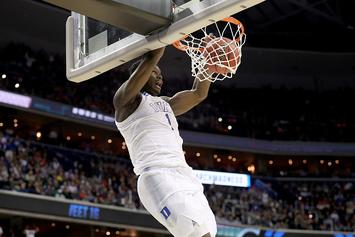 Zion Williamson Rocks The Rim During Pickup Game With Duke Students: Video