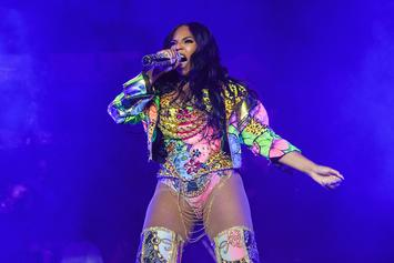 "Ashanti's ""Ample Curves"" Set Off A Planetary Shift After ""Stuck"" Movie Premiere"