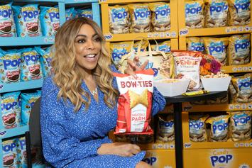 Wendy Williams Replaces Wedding Band With Flashy Flower Ring