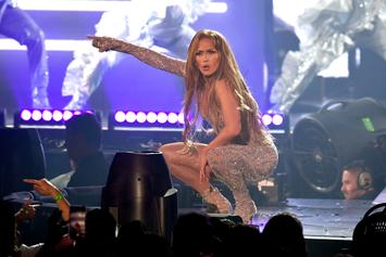 Jennifer Lopez Kicks Off Tour By Inviting Daughter On Stage For Singing Duet