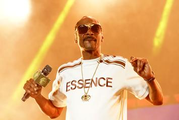 """Snoop Dogg Shares Perfect 6ix9ine Snitching Meme: """"R. Kelly Peed On Me Too"""""""