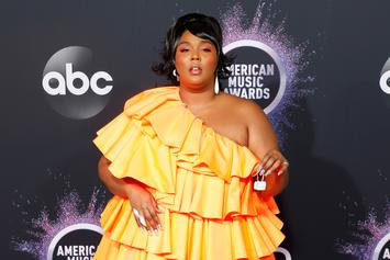 Lizzo's Super Tiny Purse At The AMA's Sparks A Ton Of New Memes