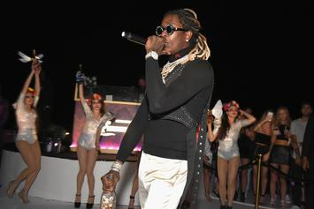 "Young Thug Invites Fan Onstage For ""Pick Up The Phone"" Duet"