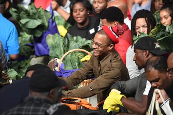 "T.I. Hands Out Thanksgiving Turkeys Following ""Red Table Talk"" Interview"