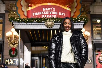 "Kelly Rowland Gives Us Life With ""Jingle Bells"" To ""Say My Name"" Melody"