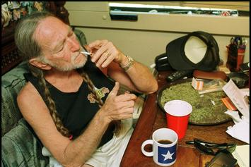 "Willie Nelson Stops Smoking Weed After It Nearly ""Killed"" Him"