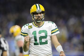 """Aaron Rodgers Takes Shots At Critics Who Call Packers """"Average"""""""
