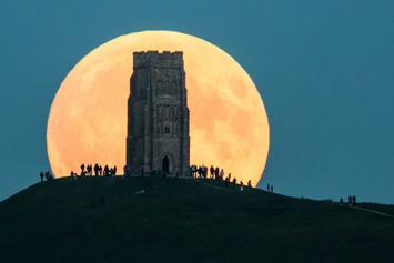 The Supermoon Shall Rise Tonight