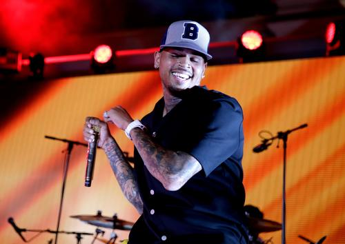 Chris Brown Embraces Daddy Duties With Daughter Royalty On The Dance Floor