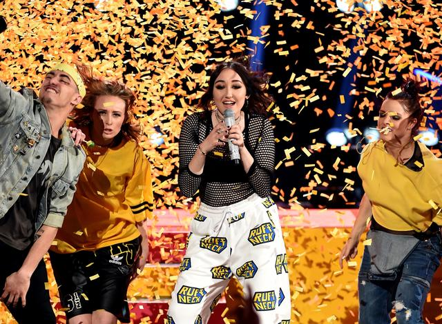 Noah Cyrus performing at MTV Movie & TV awards 2017