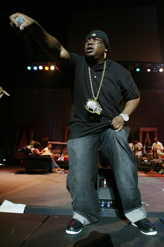 E-40 performing in 2007