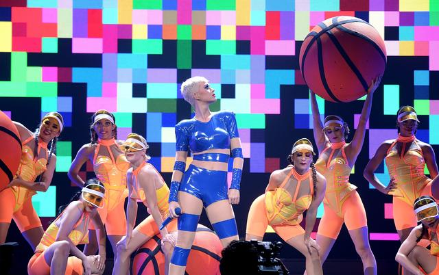 Katy Perry at bell center montreal