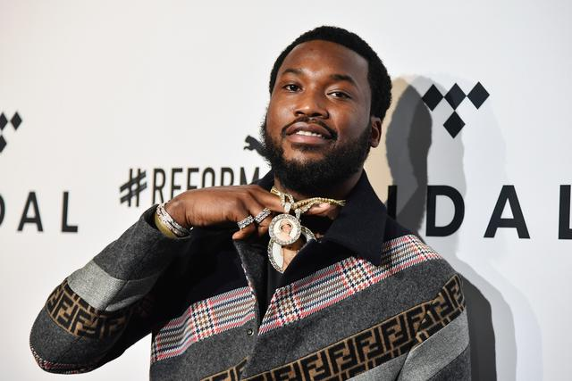 Meek Mill shows off his chain