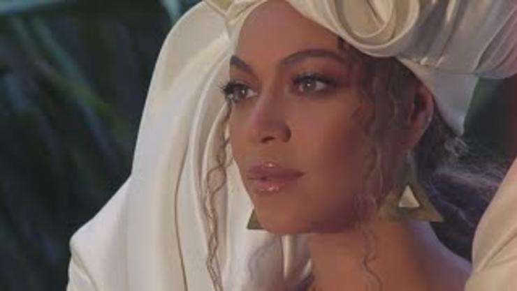 """Beyoncé Adds """"OTHERSIDE"""" Visuals To YouTube"""