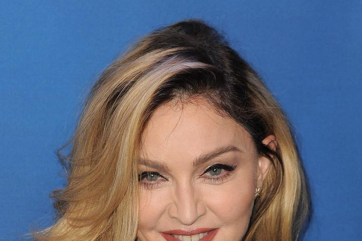 Musician Madonna attends the 5th Annual Sean Penn & Friends HELP HAITI HOME Gala benefiting J/P Haitian Relief Organization at Montage Hotel on January 9, 2016 in Beverly Hills, California. (Photo by Angela Weiss/Getty Images)