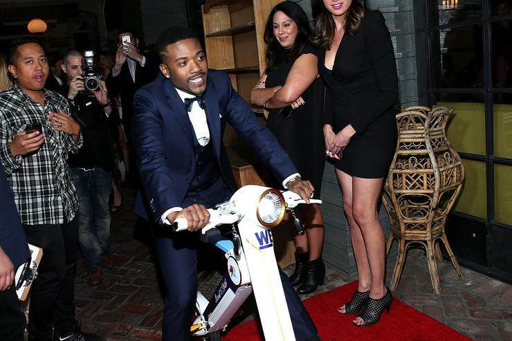 Ray J attends WE tv's premiere of 'Kendra On Top' and 'Driven To Love' at Estrella Sunset on March 31, 2016 in West Hollywood, California.