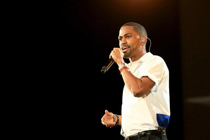 "Big Sean performs onstage at A+E Networks ""Shining A Light"" concert at The Shrine Auditorium on November 18, 2015 in Los Angeles, California."