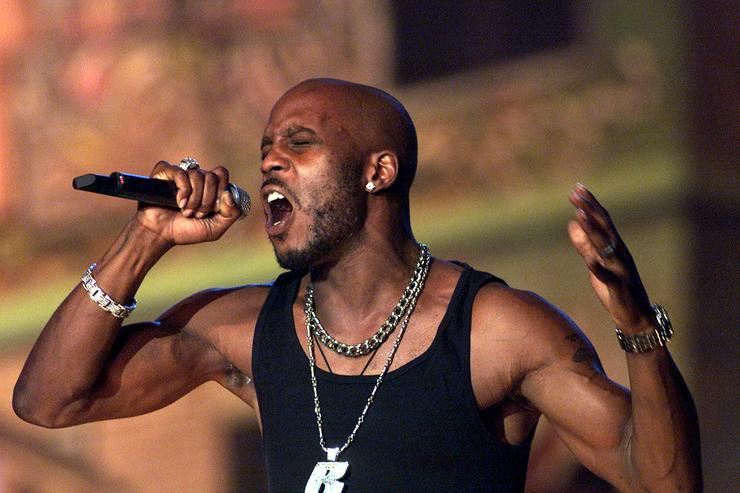 DMX performs at The Source Hip-Hop Music Awards 2001