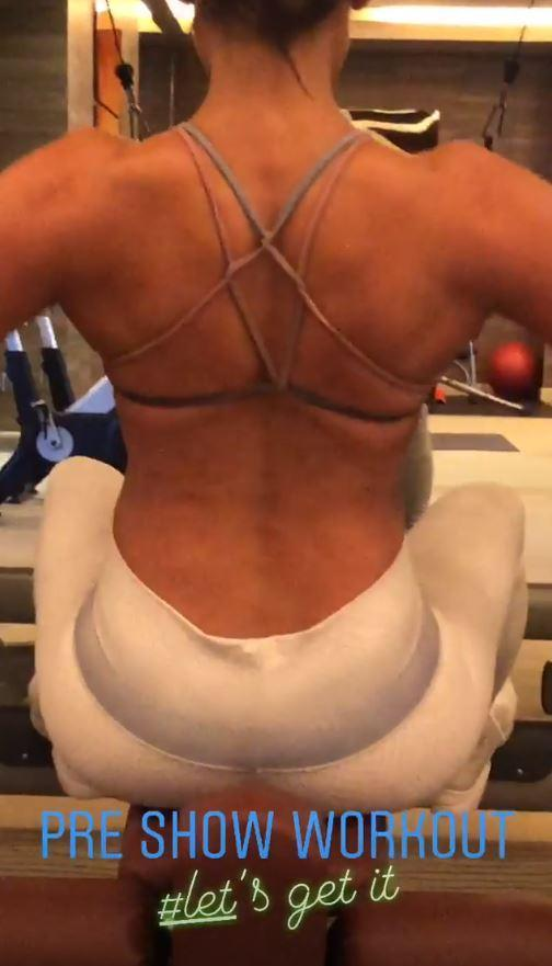 Jennifer Lopez Flaunts Her Bodacious Booty While Working Out