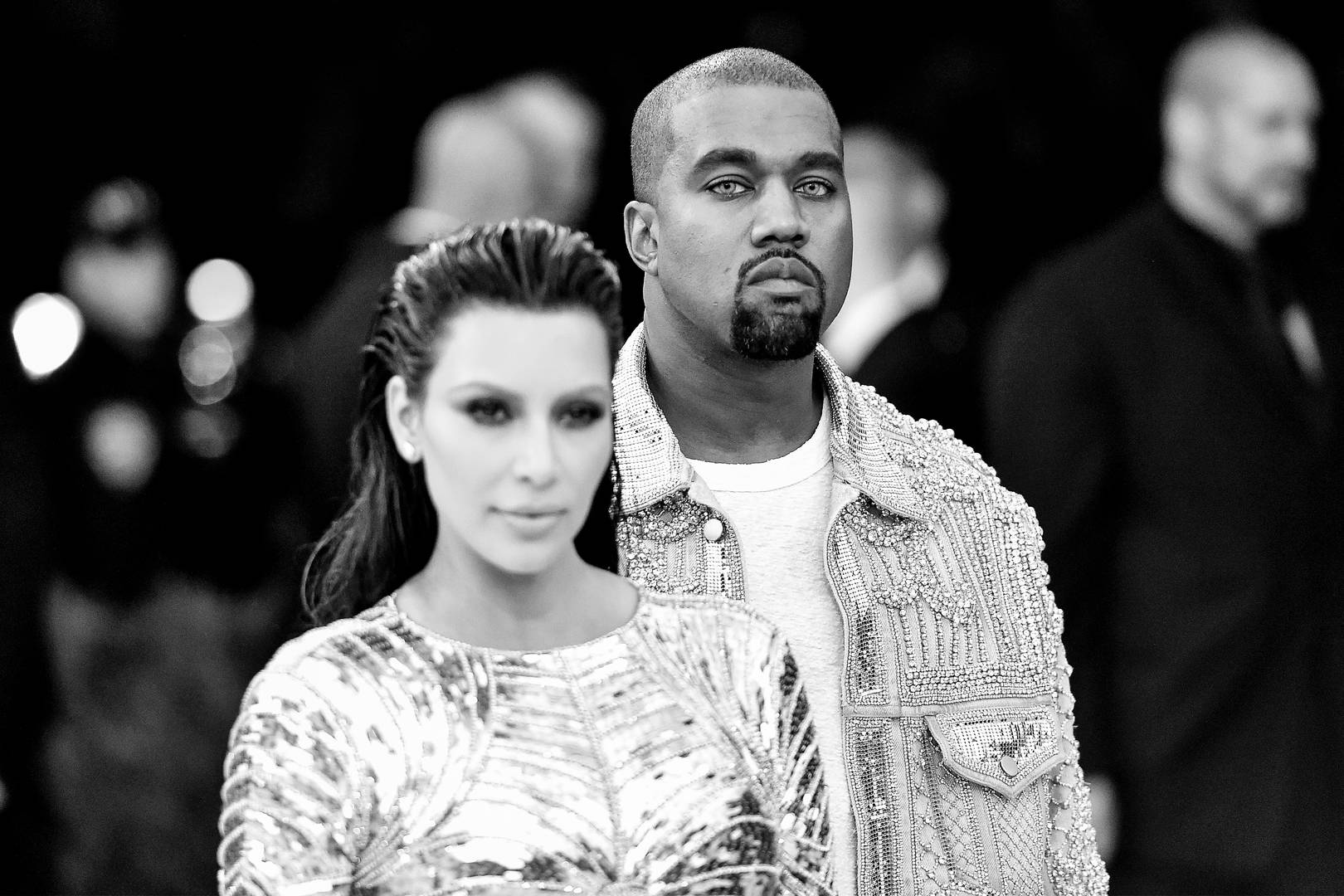 "Kanye West Responds After He's Called Out For Using His Phone During ""Cher"" Show"