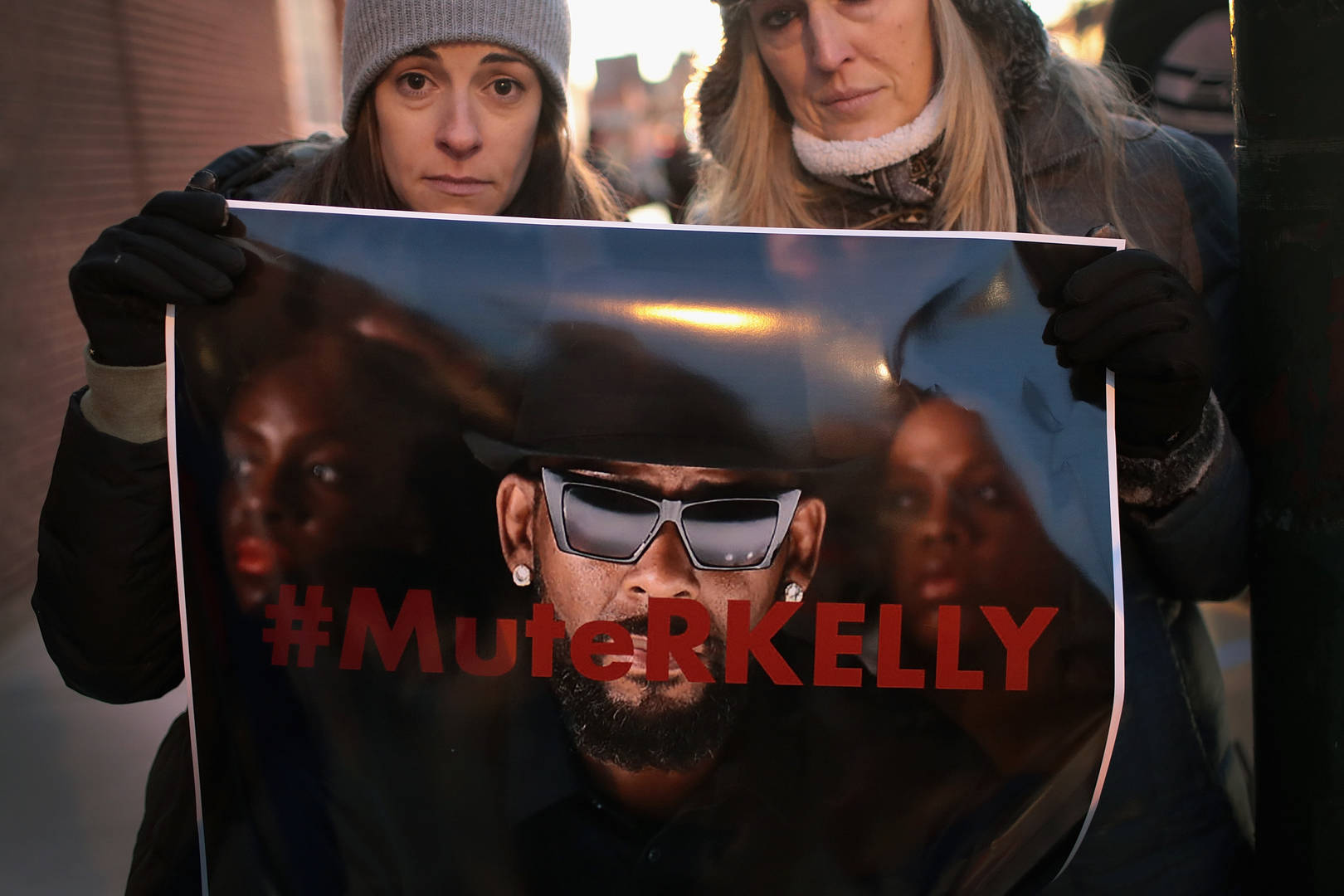 Sony drops R. Kelly after furor over allegations