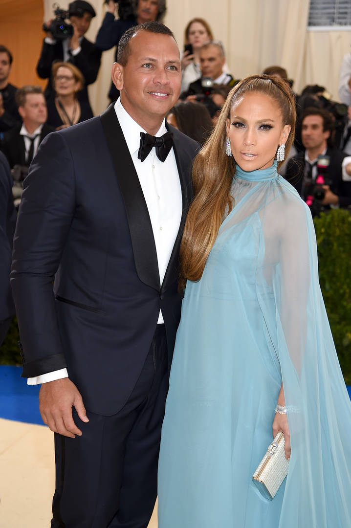 Jennifer Lopez & Alex Rodriguez Selling $17.5 Million Apartment For Something Bigger