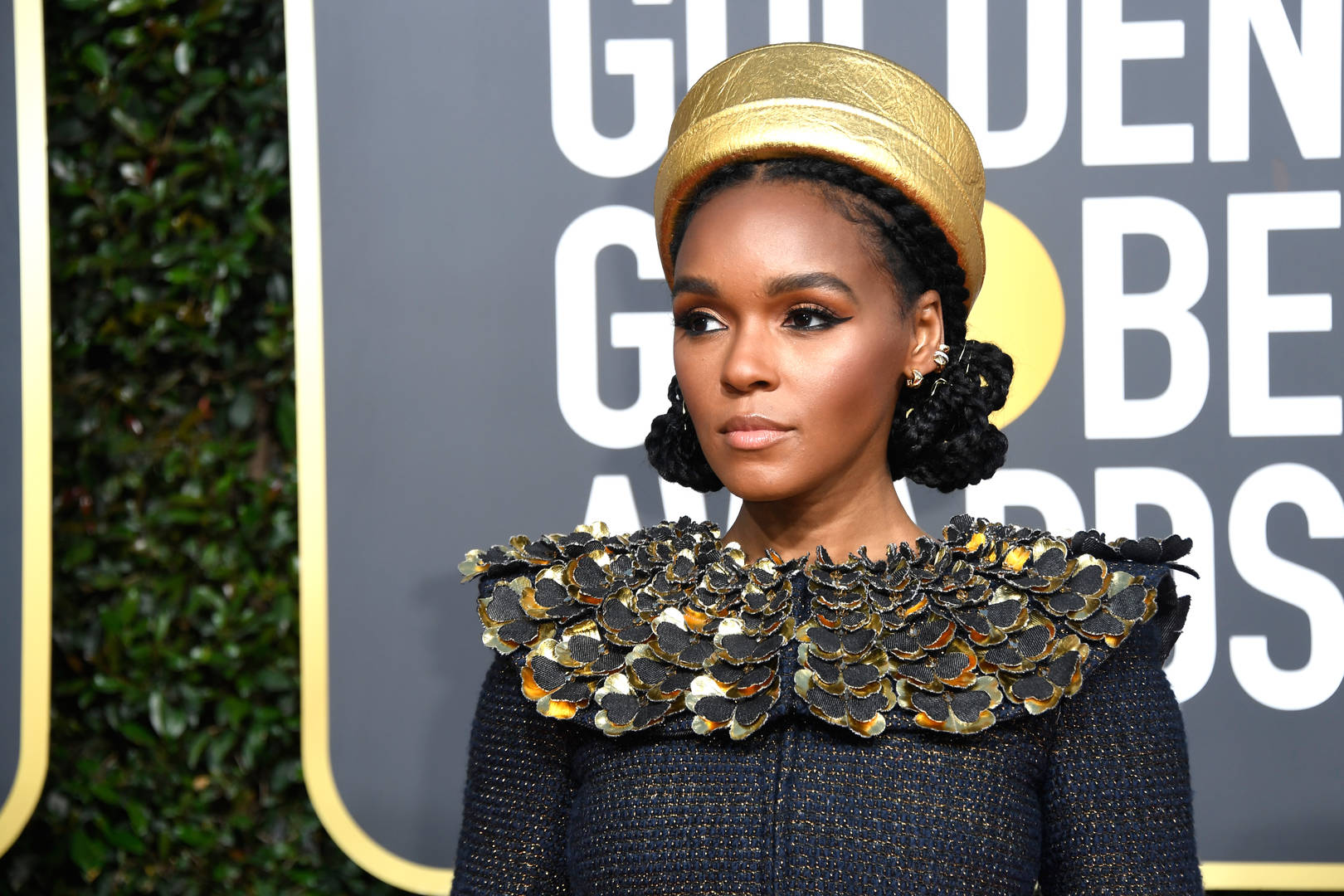 Golden Globes 2019 Red Carpet: Halle Berry Never Ages, Taraji P. Henson & More