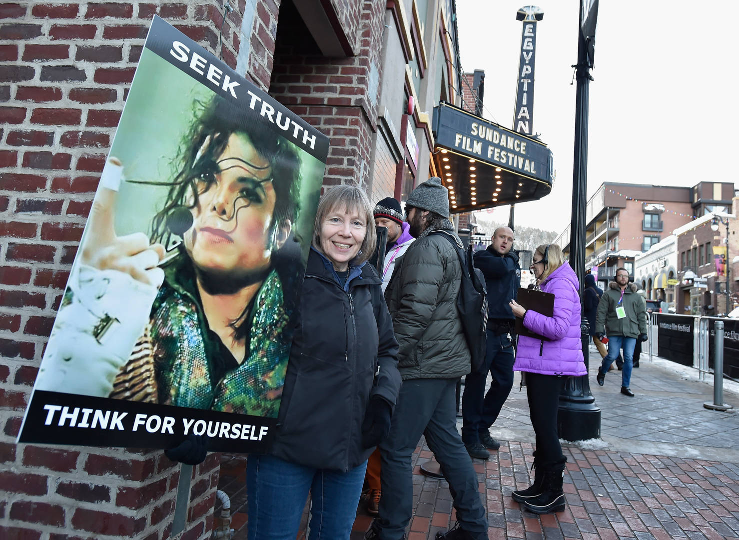 "'Leaving Neverland' Director Receives ""Disgusting"" Emails From Michael Jackson Fans"