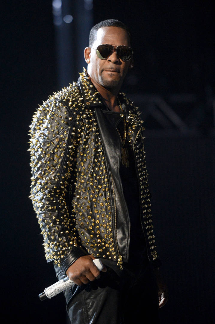 R. Kelly Sex Tape Screenshots Tweeted Out By Attorney Michael Avenatti