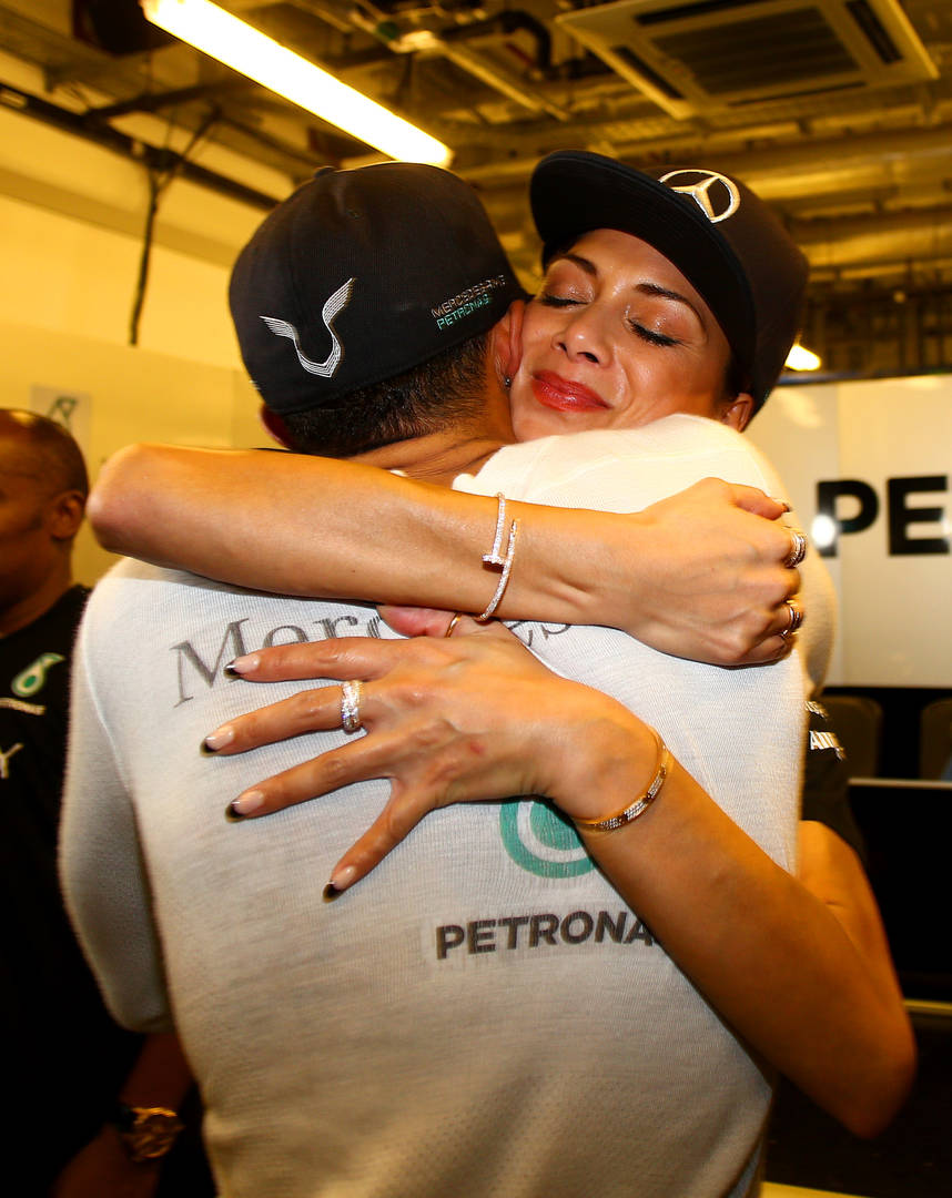 "Nicole Scherzinger ""Desperate"" To Have Lewis Hamilton Video Taken Down"
