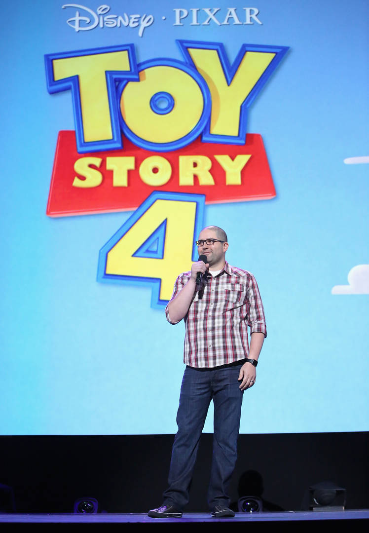 """""""Toy Story 4"""" Super Bowl Teaser Shows Buzz Lightyear Trapped At A Carnival"""
