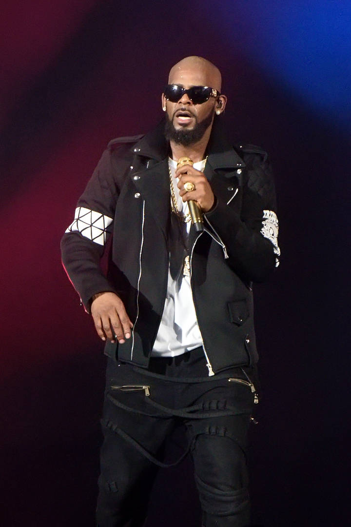 R. Kelly Goes Ghost On Girlfriend's Family After Promising Meeting: Report