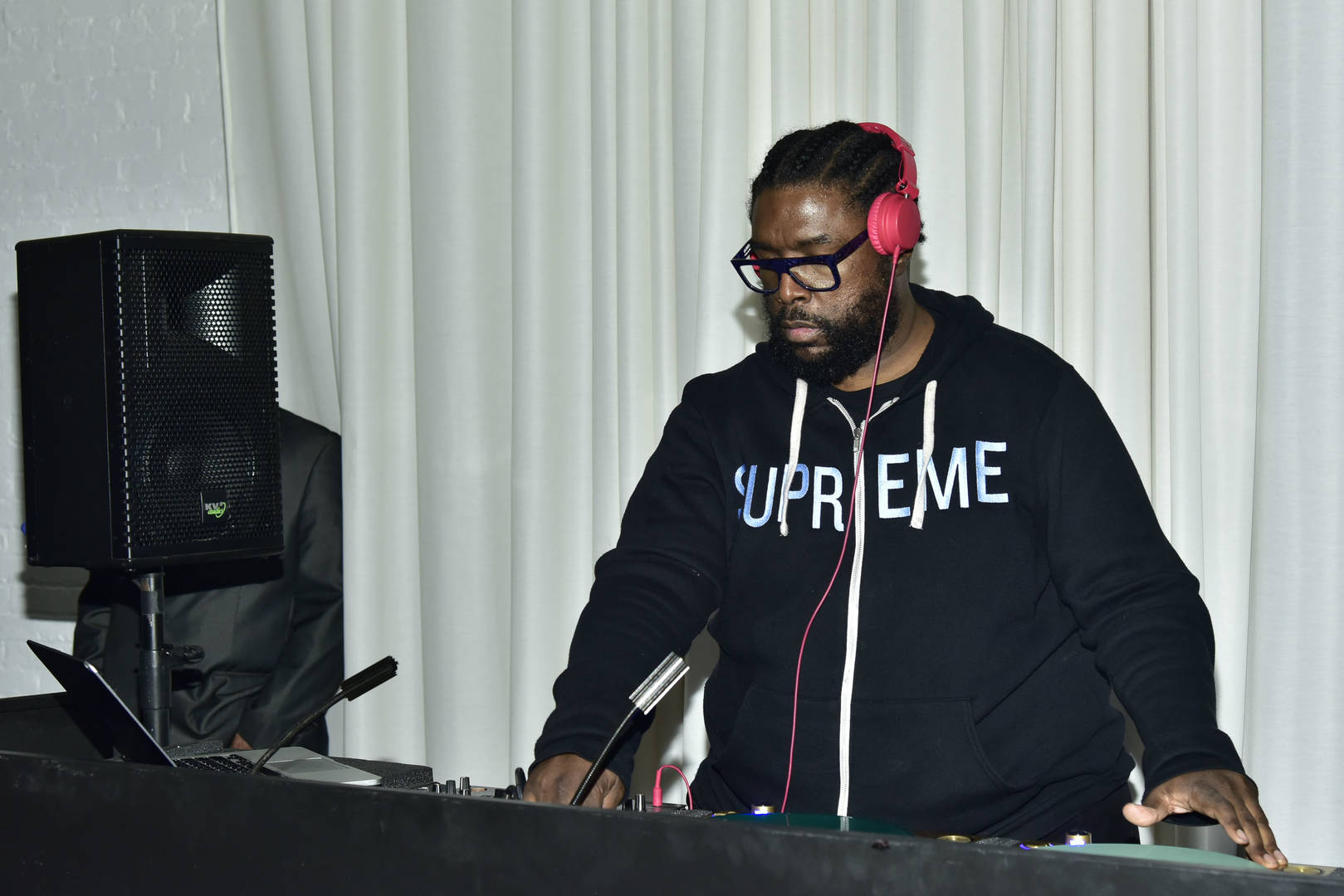 Questlove Stashed Unreleased J Dilla Beat For The Roots' New